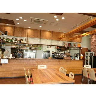 SUGAR HILL CAFE>